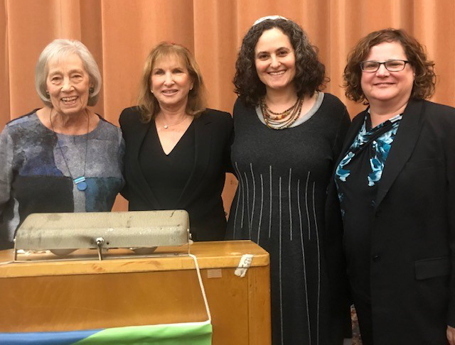 Rabbi Targan spoke on a panel at the National Council of Jewish Women. From left: Diane Steinbrink; Rabbi Lynnda Targan; Rabbi Shoshanah Tornberg Rabbi Andrea Merow A panel of women rabbis speaking at the
